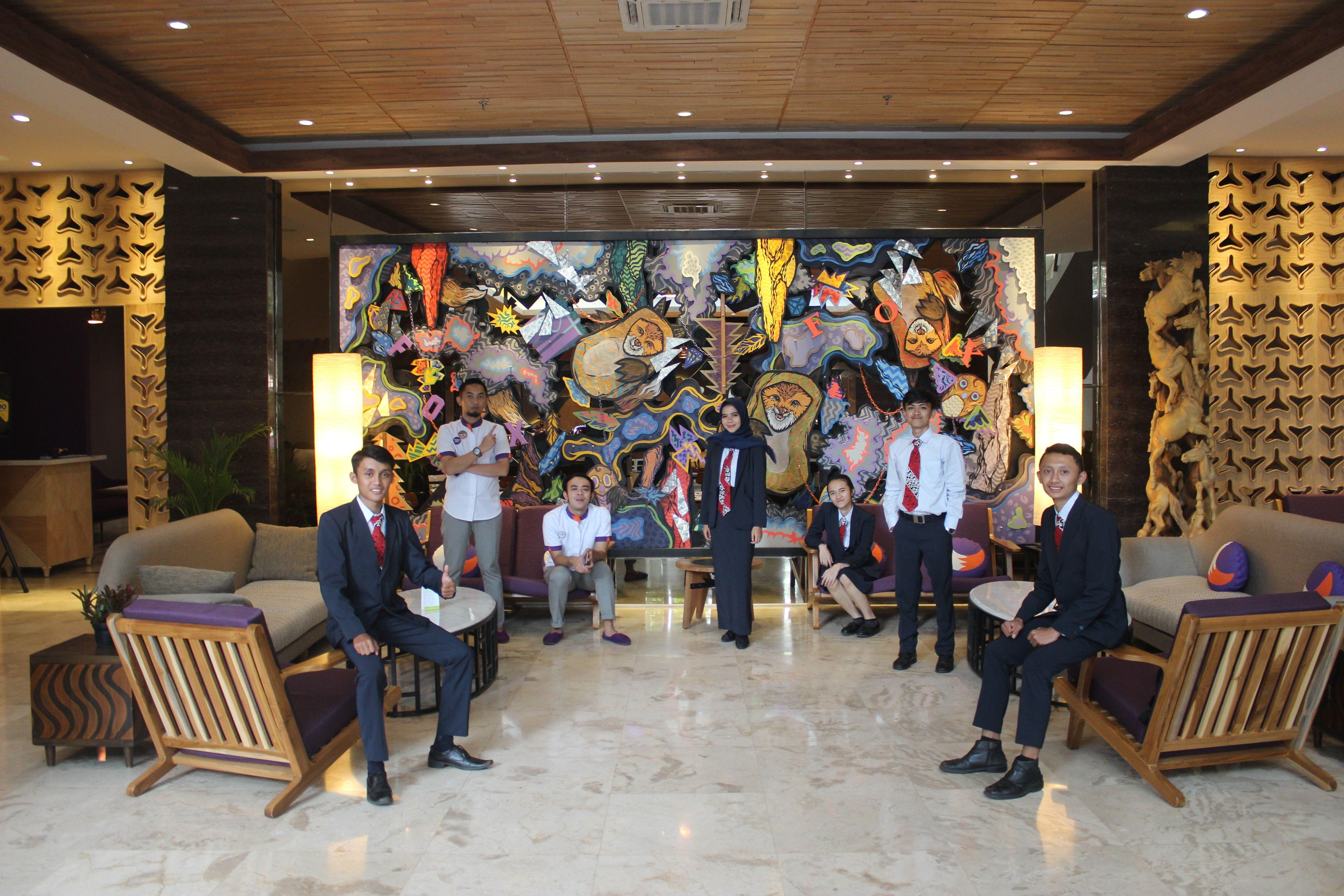 Kunjungan Industri Mahasiswa Paraiwisata ke Fox Harris Hotel Bandung